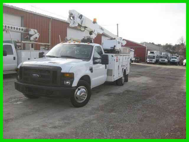 FORD F350 5. 4L V8 AUTO WITH ALTEC AT200A 34' REACH BUCKET/BOOM WITH ONAN 5500 WATT GENERATOR (2008)
