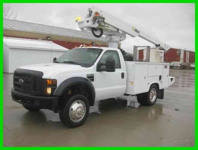 FORD F450 6. 8L GAS 5 SPEED AUTO '''FOUR WHEEL DRIVE''' WITH 40' REACH ALTEC BUCKET/BOOM (2008)
