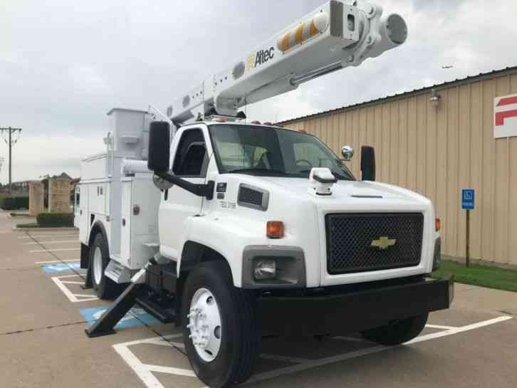 CHEVY C8500 BUCKET TRUCK (2009)