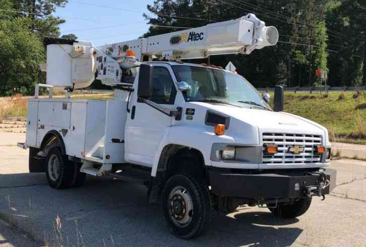 Chevrolet C5500 4x4 Altec L37m Bucket Truck (2009)