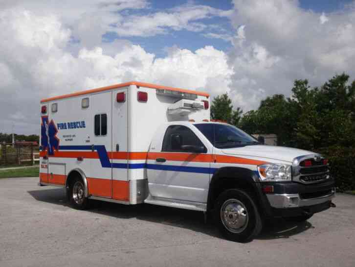 Dodge Ram 4500 Ambulance (2009)