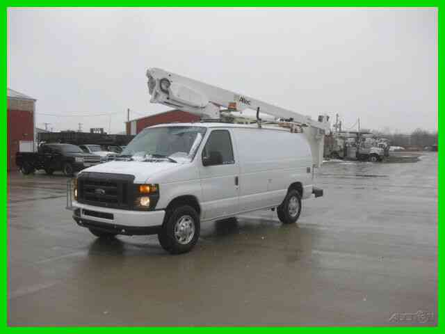 FORD E350 4. 6L GAS AUTO AC 34' REACH 'ALTEC' BUCKET/BOOM (2009)