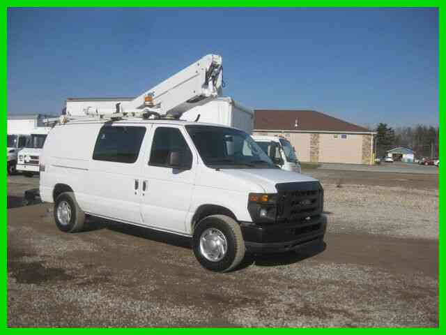 FORD E350 5. 4L GAS AUTO AC 34' REACH 'ALTEC' BUCKET/BOOM (2009)