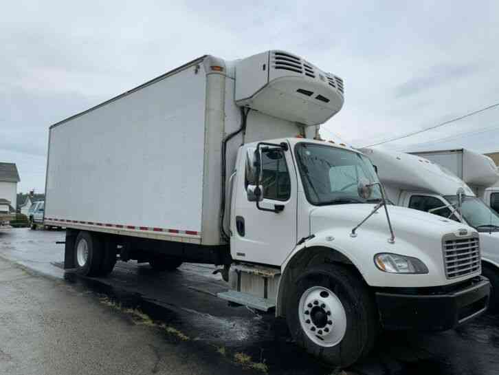 Freightliner M2 24FT REEFER BOX PANEL DELIVERY TRUCK THERMO-KIN (2009)