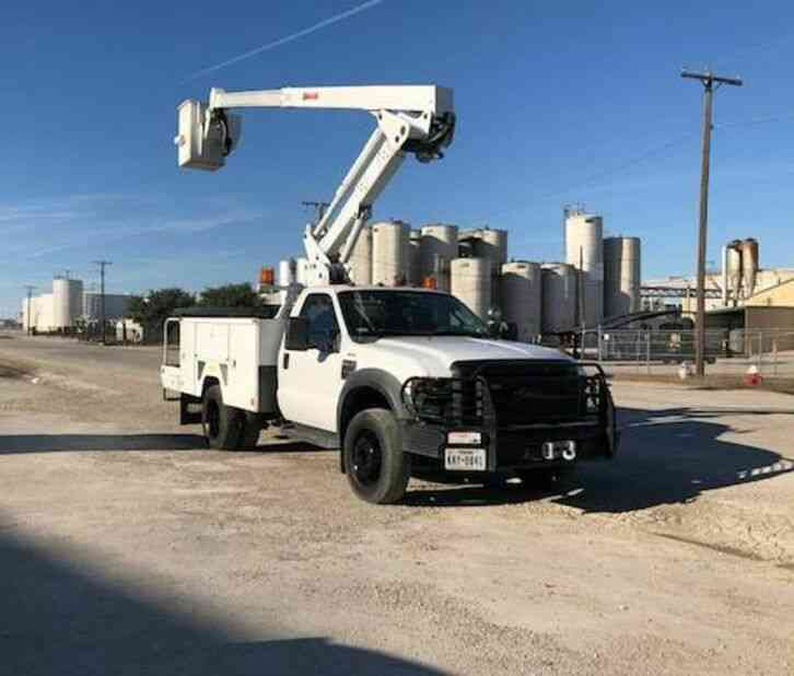 Ford F-550 42FT Bucket Truck (2009)