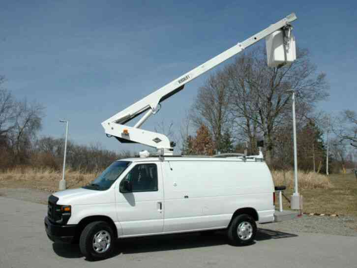Ford E350 BUCKET VAN (2010)