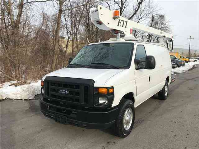 Ford E350 36ft BUCKET TRUCK Commercial Econoline ETI (2010)