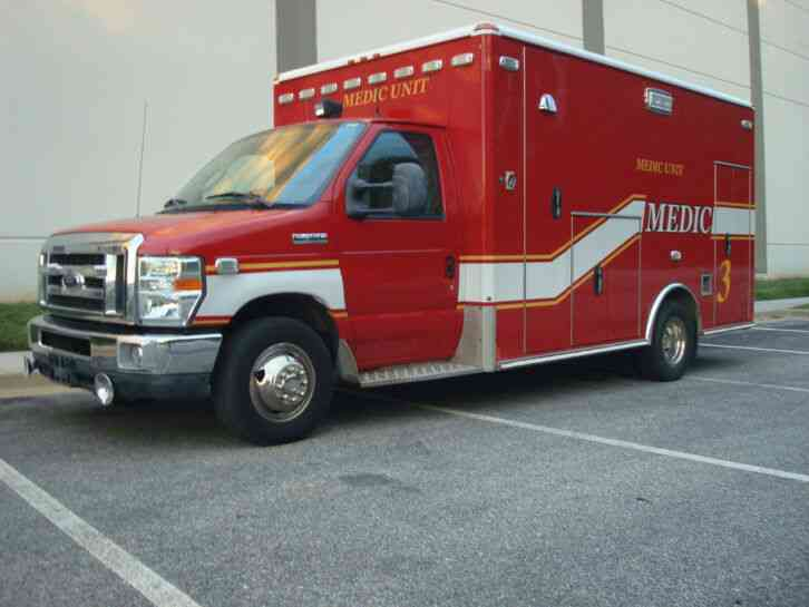 FORD E450 WHEELED COACH POWERSTROKE AMBULANCE (2010)