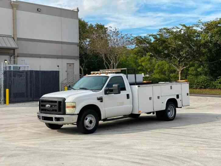 Ford F-350 Utility Truck (2010)