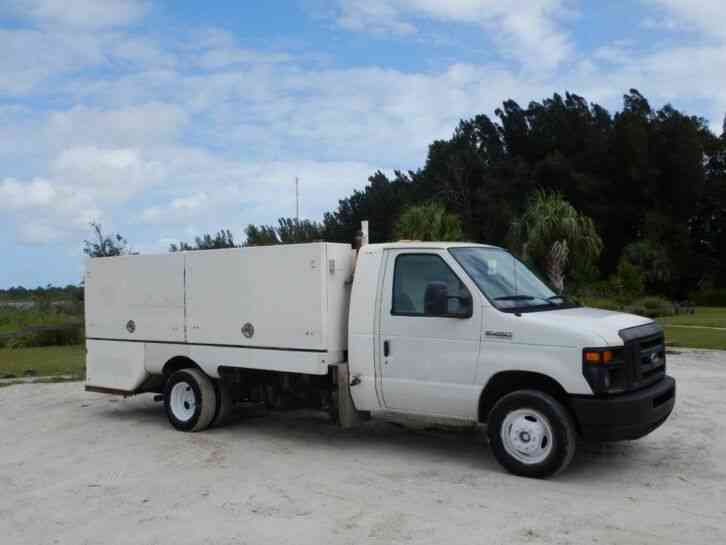 Ford E450 Super Duty Spray Truck (2011)