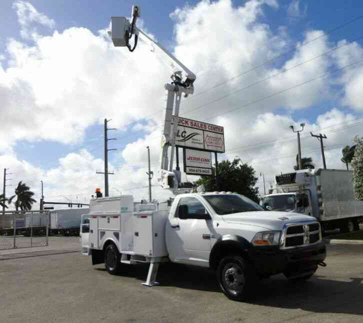 Ram 5500 4X2 6. 7L DIESEL. ALTEC AT40-M BUCKET BOOM TRUCK. (2011)