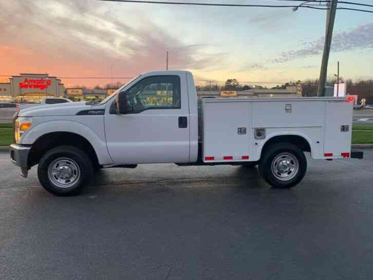 F250 4X4 UTILITY / SERVICE TRUCK ONE OWNER F250 4X4 UTILITY / SERVICE ONE OWNER (2012)