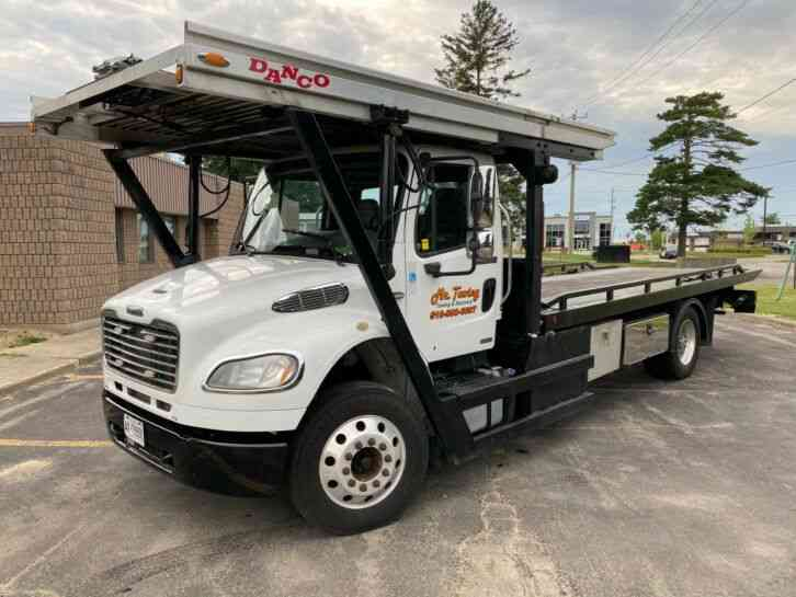 freightliner M2 106 Business Class Tow Truck_3 Car Carrier (2012)
