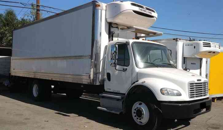 Freightliner 26ft Refrigerated truck 26, 000# GVWR-FINANCE-SHIPPING- (2013)