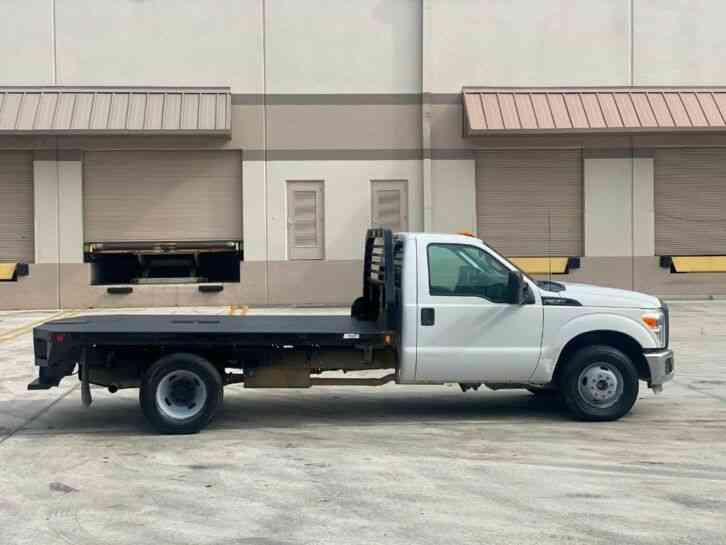 Ford Super Duty F-350 DRW Cab-Chassis (2014)