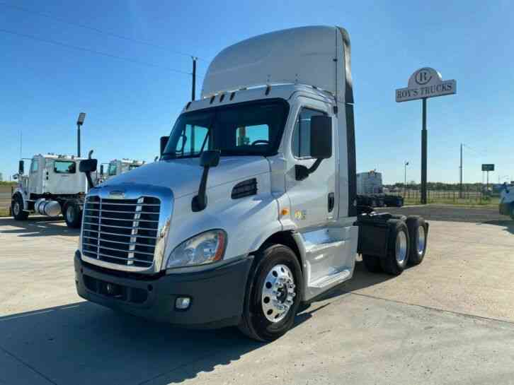 Freightliner Cascadia Tandem Axle Daycab (2014)