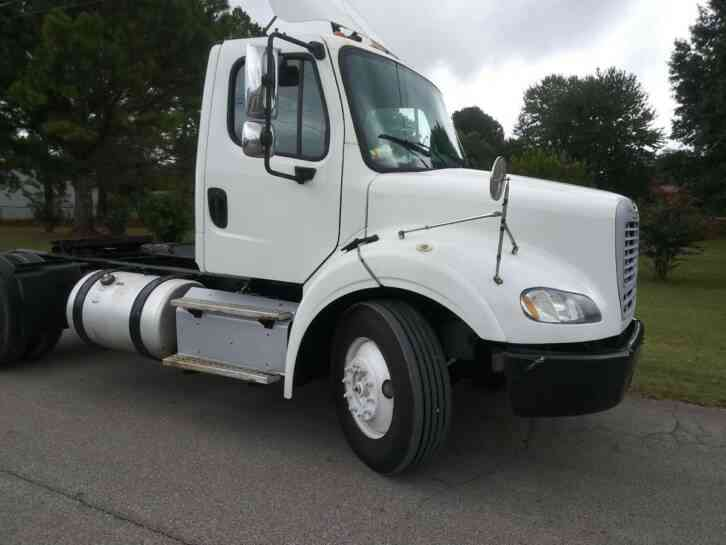 Freightliner In good condition @ 388k (2014)
