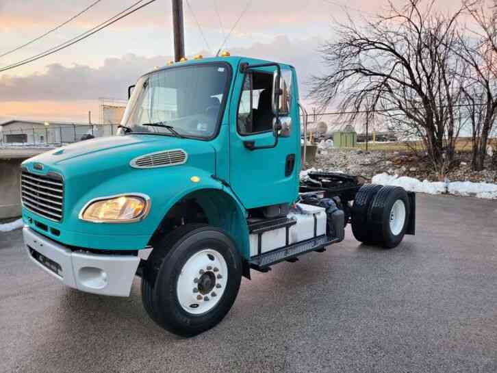 Freightliner M2 Single Axle Day Cab Auto 350HP (2014)