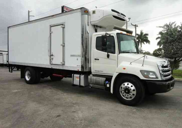 HINO 268A 24FT REFRIGERATED BOX TRUCK. THERMO KING T880S WHI (2014)