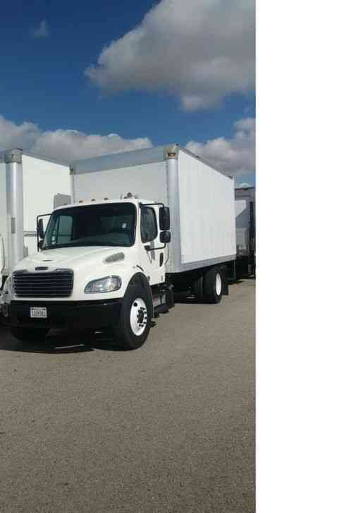 FREIGHTLINER 18FT BOX CUMMIS -AUTO- 26, 000# gvw WE SHIP - FINANCE- WARRANTY (2015)