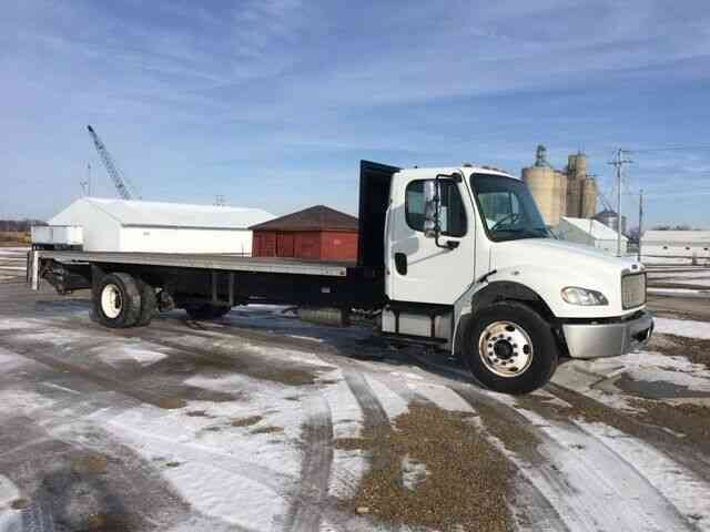 Freightliner BUSINESS CLASS M2 106 *NEW* 26FT X 102IN WIDE (2015)