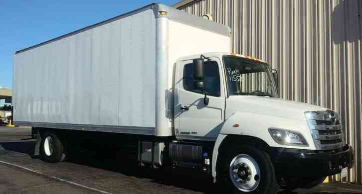 HINO 268A 26FT BOX AUTO- ONY 32K MILES - 26K gww - WARRANTY- WE SHIP (2015)