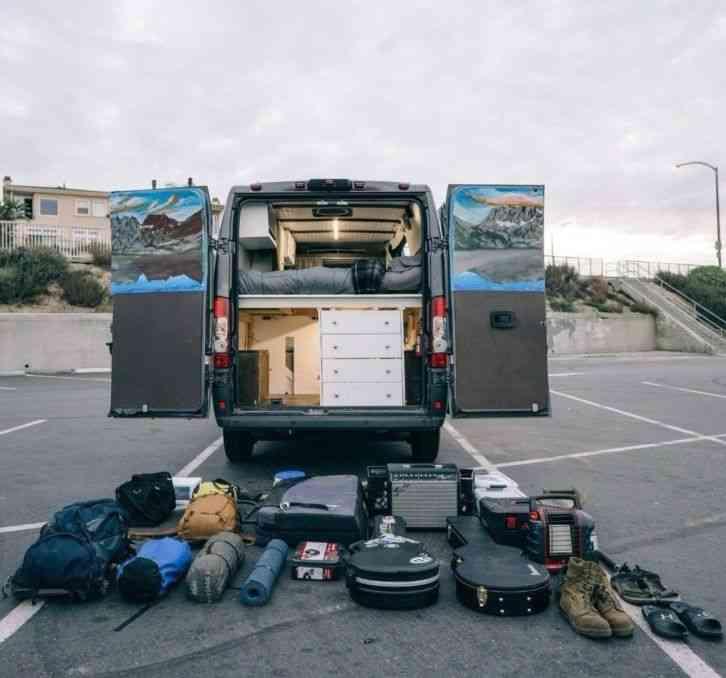 Ram Promaster 1500 - Camper Van (2017) : Van / Box Trucks