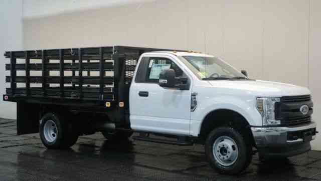 Ford F-350 XL 12' KNAPHEIDE VALUE-MASTER-X PLATFORM BODY (2018)