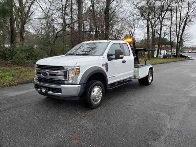 Ford Super Duty F-450 DRW XL (2019)