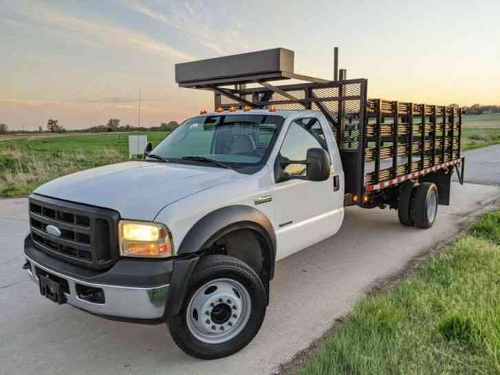 Ford F450 XL SuperDuty Stake Body Flat Bed (2006)
