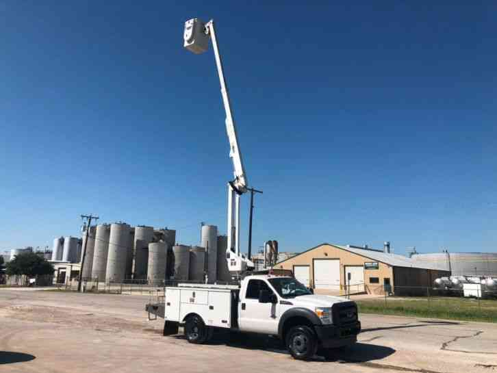 Ford FORD F550 BUCKET TRUCK (2012)