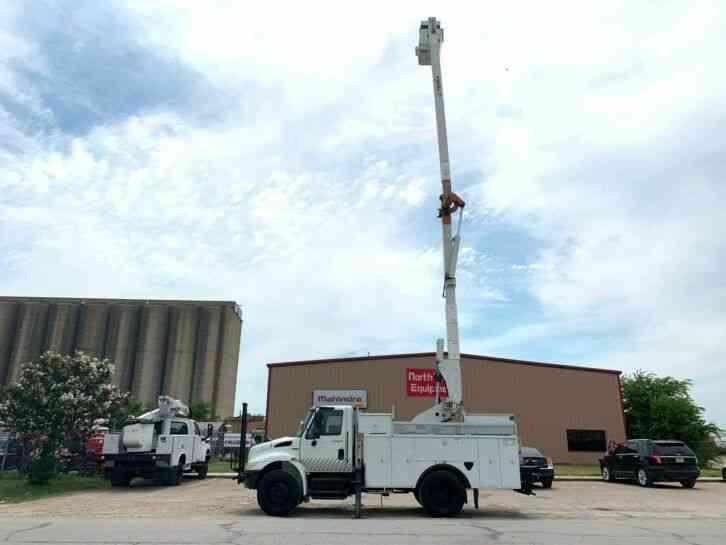 International 4300 BUCKET TRUCK (2009)