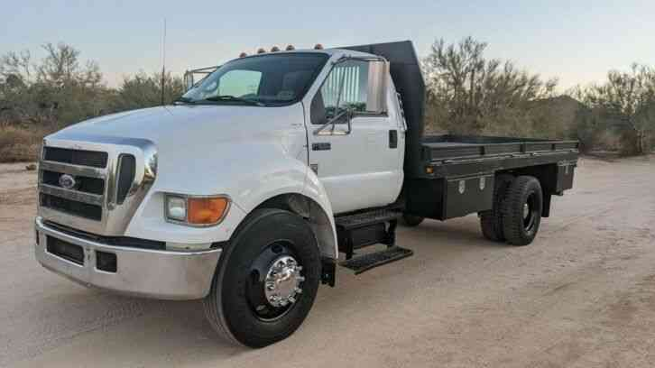 Ford F-650 CUMMINS 16' FLATBED 60K MILES FLAT BED (2004)