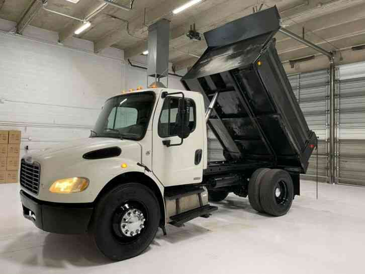 Freightliner 10' 5-7 yard dump truck with a Cat C7 111k miles (2005)