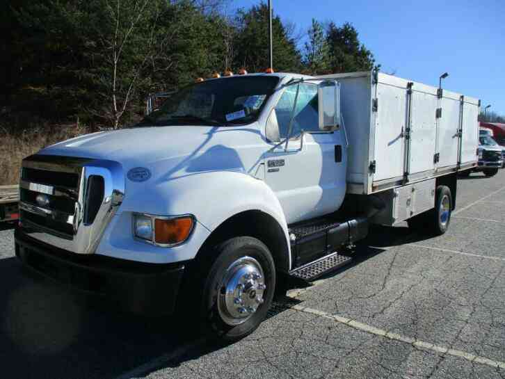 Ford F-650 Cummins 14' Flatbed 83k miles automatic (2009)