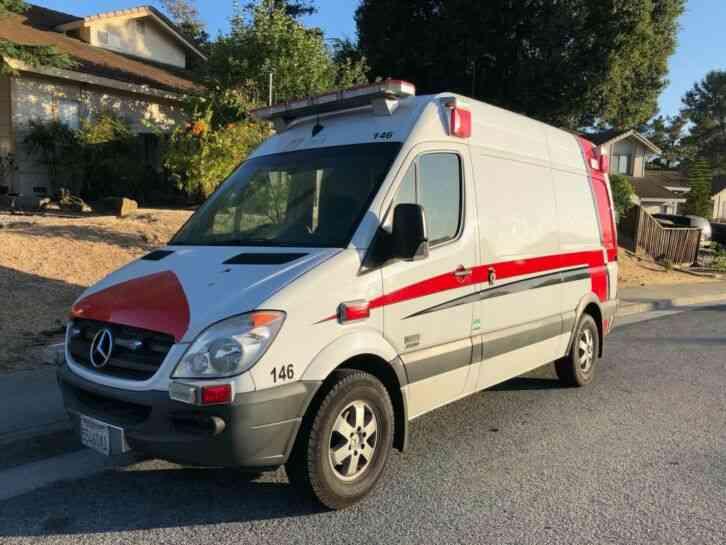 Chevrolet EXPRESS 3500 EMS VAN (2011) : Emergency & Fire ...