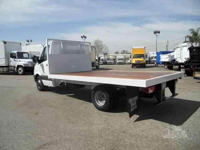 Like New Sprinter Flatbed 14ft 11, 030lbs GVWR 3. 0L Diesel only 200miles (2016) : Van / Box Trucks
